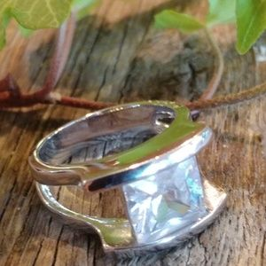 Jewelry - Vintage Large Square Cut Clear Color Ring sz10